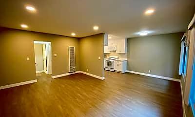 Kitchen, 919 E Acacia Ave, 1