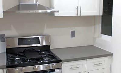 Kitchen, 652 Clayton St, 1