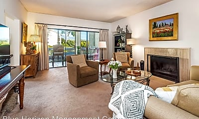 Living Room, 46 Seaview Dr, 1