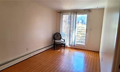 Living Room, 14762 Grand Central Pkwy 1, 1