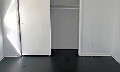 Bedroom, 1806 Van Wert Ave 4, 2