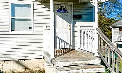 Patio / Deck, 406 Macon St B, 0