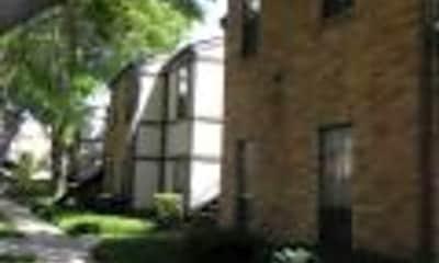 Oak Tree Condominiums, 2