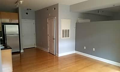 1320 Fillmore Ave Unit 302, 1