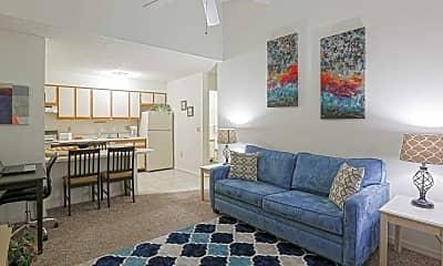 Living Room, Lemans Apartments Lakeland, 1