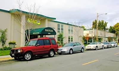 Bart Plaza, 1