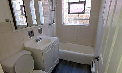 Bathroom, 4128 W Cullom Ave, 2