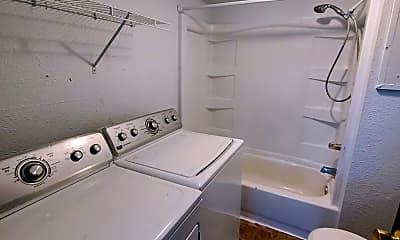 Bathroom, 224 Douglas Rd, 2