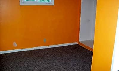 Bedroom, 519 E Ivy St, 2