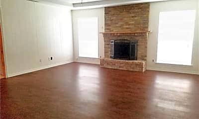 Living Room, 420 Tiffany Trail, 1