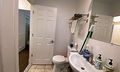 Bathroom, 60 Woodlawn St, 2