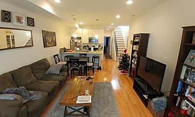 Living Room, 815 N Uber St, 1