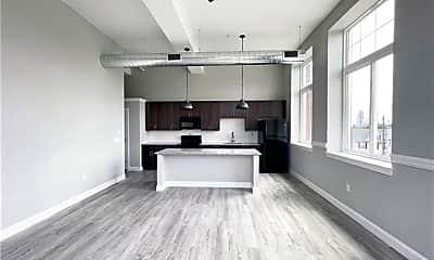 Living Room, 216 Penn St 4, 2