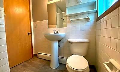 Bathroom, 816 24th Ave S, 2
