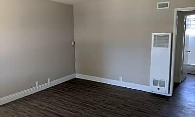 Living Room, 761 E 46th St, 1
