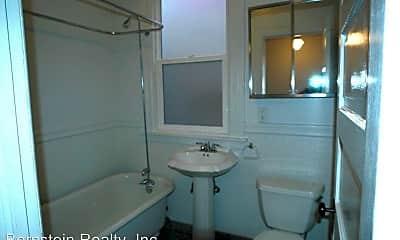 Bathroom, 79 Delmar St, 2