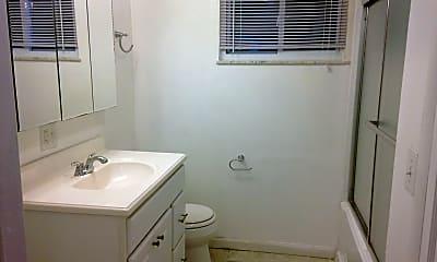 Bathroom, 353 Gilmore St, 2