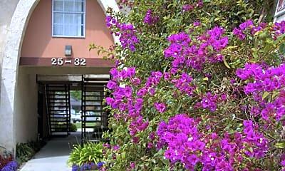 Building, Los Arbolitos Apartments, 2