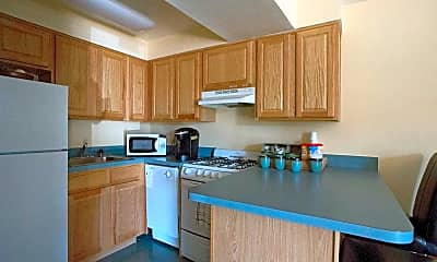 Kitchen, Bright Meadows Townhomes & Apartments, 1