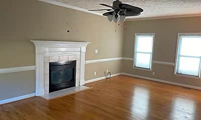 Living Room, 333 Lionshead Rd, 1