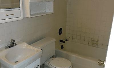 Bathroom, 1340 4th Ave SW, 2