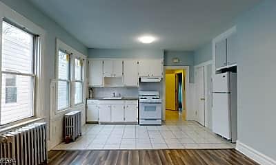 Kitchen, 416-418 Leslie St 4, 0