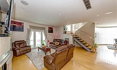 Living Room, 2913 Winlock Rd, 1