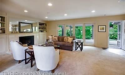 Living Room, 936 Lake Washington Blvd NE, 1