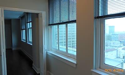 222 E Houston  Suite 600, 1