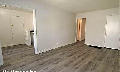 Living Room, 4540 N Banner Dr, 1