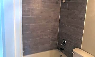 Bathroom, 2237 E Boulder St, 1