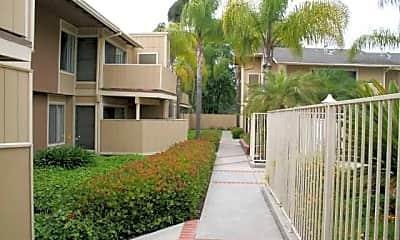 Aloma Apartments, 2