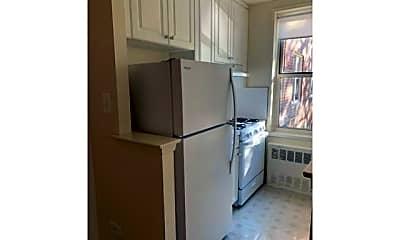Kitchen, 675 Tysens Ln, 0