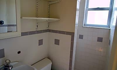 Bathroom, 391 Bond St 3, 2