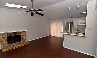 Living Room, 1402 Butterfield Dr, 2