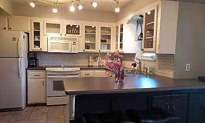 Kitchen, 1013 NE 20th St, 1