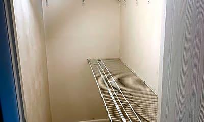 Bathroom, 7225 Meade St, 2