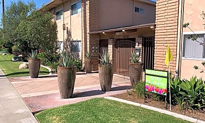16251 Woodruff Apartments, 1