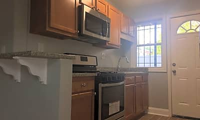 Kitchen, 203 Kentucky Ave, SE, 1