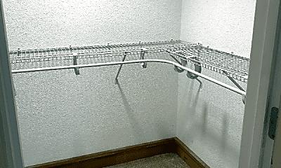 Kitchen, 130 W Plume St, 2
