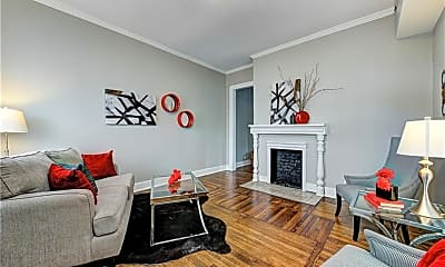 Living Room, 923 S State Ave, 1