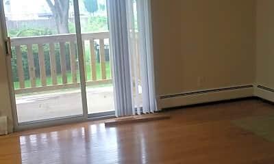 Living Room, 1538 Eastern Ave, 1