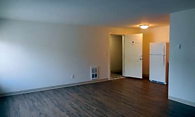 Living Room, 3033 NE 140th St, 1