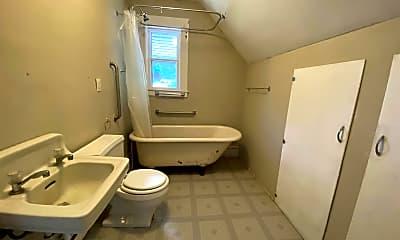 Bathroom, 102 South St, 2