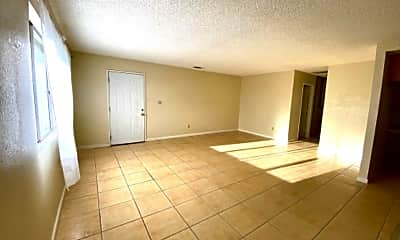 Living Room, 1121 Barstow Rd, 1