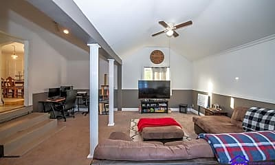 Living Room, 645 N. Mulberry St, 2