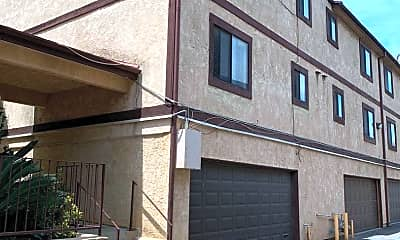 Building, 515 W Gardena Blvd, 2