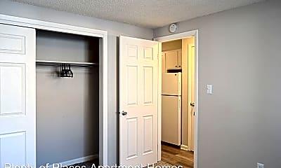 Bedroom, 1110 S Joliet St, 2
