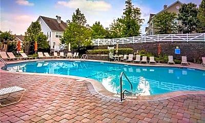 Pool, 14 Gillian Ct, 2