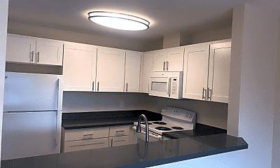 Kitchen, 516 NE 103rd St, 1